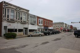 Downtown Kirksville buildings and parking